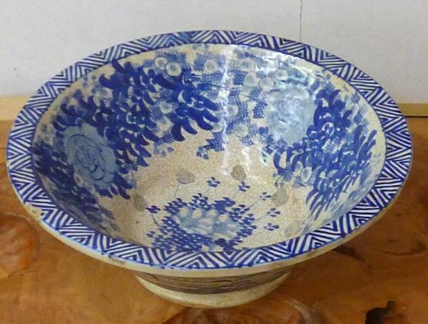 染付水鉢。骨董品の買取ならリサイクルショップのジャムルK