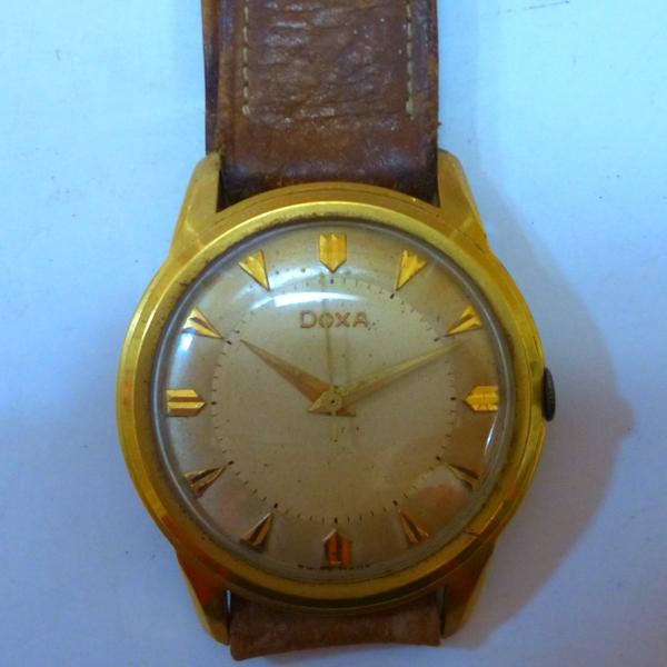 腕時計の宅配買取、出張買取、店頭買取をさせて頂きます。今回の買取情報はDOXA ドグサ 腕時計 GOLD FILLEDです。